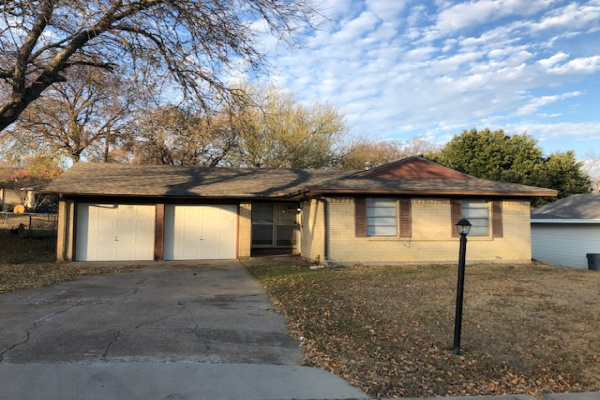 1213 Rusk Dr, Mesquite, Texas 75149, 3 Bedrooms Bedrooms, 7 Rooms Rooms,1 BathroomBathrooms,Single Family,For Rent,Rusk Dr,1009